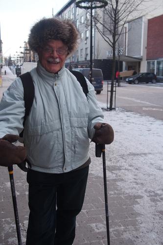 Aarre Heinonen pelaa joka viikko myös kuulapeli bocciaa diabetesporukan kanssa.